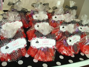 cinnamon bear favor bags